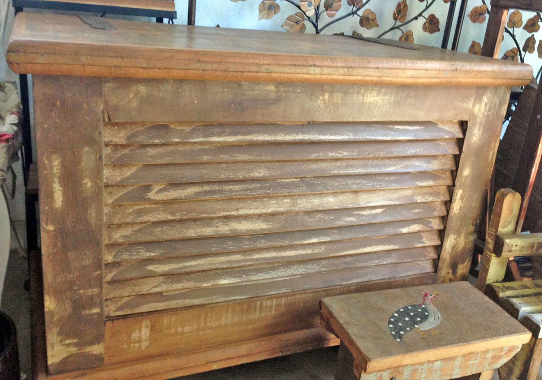 Baú rústico de madeira da Villa Maris. #916E3A 1500x1053